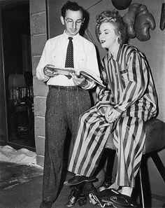 A Dama Desconhecida (1945) - Charles David (Director) and Deanna Durbin