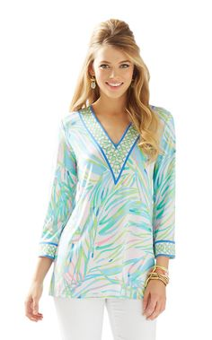 The Port Tunic is a v-neck 3/4 length tunic top with an engineered print. This soft tunic is perfect for traveling or a casual day out and about.