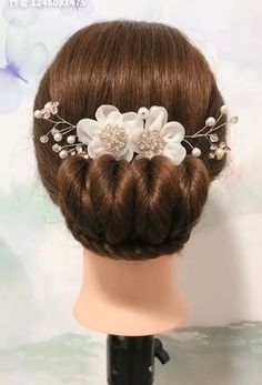 Beautiful enchanting buns hairstyles – bun hairstyles for long hair Medium Hair Styles, Natural Hair Styles, Short Hair Styles, Easy Hairstyles For Long Hair, Braided Hairstyles, Beautiful Hairstyles, Female Hairstyles, Hairstyles 2018, Hairstyle Ideas