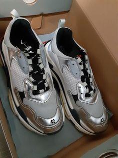 New Sneakers, Jordans Sneakers, Sneaker Brands, Balenciaga, Kids Outfits, Adidas, Nike, Silver, Red