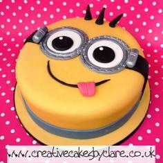 Minion cake Más Minion Torte, Minion Cakes, Pastel Minion, Fondant Cakes, Cupcake Cakes, Minion Birthday, Birthday Cakes, Happy Birthday, Cakes For Boys