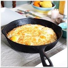 Bake eggs with Crispy Hash Brown Crust~oh Yum!! ....
