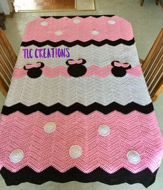 Perfect for anyones bedroom ensemble. Can be made either Minnie or Mickey Mouse style. Soft and cozy. This one is made to fit a twin / full size bed. I can also custom sizes, just email me.