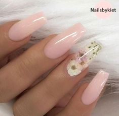Pale pink nails w clear 🌸 w flower accent nails spring nails summer nails - . - Pale pink nails w clear 🌸 w flower accent nails spring nails summer nails – Pale pink nails w - Pastel Pink Nails, Pink Acrylic Nails, Acrylic Nail Designs, Pale Pink, Nagellack Design, Coffin Nails Long, Long Nails, Coffin Shape Nails, Glam Nails