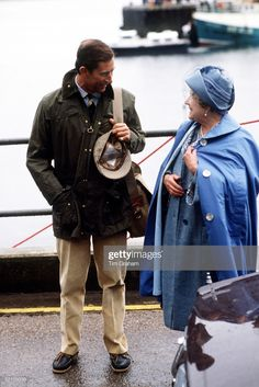 Prince Charles [ Prince Of Wales ], Dressed Casually In A Barbour-style Jacket, Corduroy Trousers And Deck Shoes, Being Greeted By The Queen Mother On His Arrival For His Annual Summer Holiday Visit Get premium, high resolution news photos at Getty Images Mens Outdoor Fashion, Preppy Mens Fashion, Camilla, Barbour Jacket Mens, Barbour Beaufort, British Country Style, Barbour Clothing, Gentleman Shoes, Look Formal