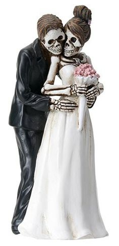 Halloween Bride and Groom Pose for Camera True Love Never Dies Gothic Wedding Cake Toppers-Romantic Skeleton Couple Posing Halloween Wedding Cakes, Halloween Bride, Funny Wedding Cake Toppers, Theme Halloween, Halloween 2018, Halloween Decorations, Wedding Couple Poses, Couple Posing, Wedding Couples