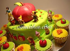 Vin's Cakes - Birthday Cake & Cupcake - Wedding Cupcake - Bandung Jakarta Online Cakes Shop: 3D Apple Snow White Birthday Cake!