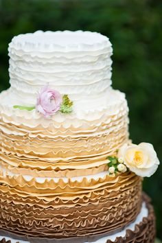 Ombre Wedding Cake by Cut the Cake- Old World Wedding Inspiration - Orange Blossom Bride- Sydonie Mansion wedding inspiration shoot - Photo: In Style Imagery- Orange Blossom Bride- Click pin for more