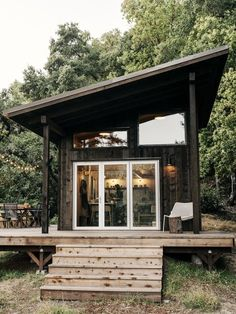 Photo 15 of 19 in This DIY Couple Craft a Tiny Cabin in the Santa… Tiny House Cabin, Modern Tiny House, Tiny House Design, Small Cabin Designs, Small Modern Cabin, Contemporary Cabin, Modern Cabins, Tiny Cabin Plans, Mini Chalet