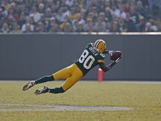 Buy exclusive game day photos of the Green Bay Packers from the 2016 NFL football season. Packers Football, Best Football Team, Football Season, Football Players, Football Snacks, Donald Driver, Nfl Photos, Go Pack Go, Photo Store