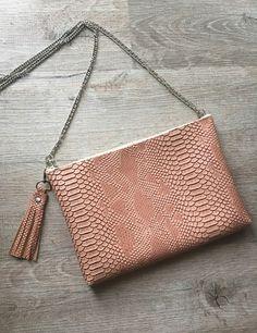 NOUVELLE COLLECTION !!   Joli sac bandoulière avec sa chaîne bandoulière amovible ( vous pouvez ainsi le porter mains à une soirée ou en journee por aller au travail en Band - 20280564