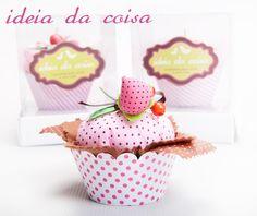 Cupcake de morango perfumado e fofinho