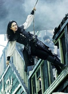 Son Ye-jin in 'The Pirates' Pirate Queen, Pirate Art, Pirate Life, Pirate Woman, Fantasy Inspiration, Story Inspiration, Character Inspiration, The Pirates, Pirates Of The Caribbean