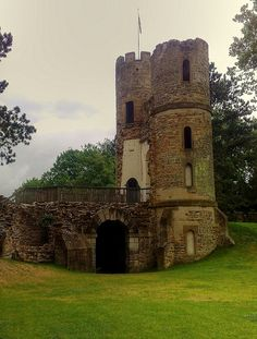 Stainborough Castle Folly Wentworth Castle, Barnsley, Yorkshire, England, UK - by woodytyke on Flickr