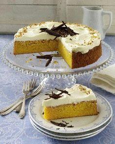 Österlicher Möhrenkuchen mit Mascarpone-Quark-Kuchen