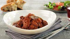 Gresk stifado - MatPrat Lamb, Steak, Beef, Dinner, Recipes, Food, Meat, Suppers, Rezepte