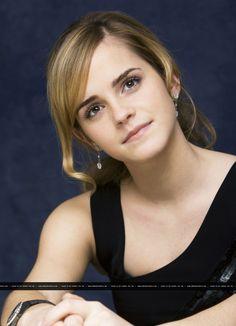 Emma Watson The Beautiful Girl Wide Emma Love, Emma Watson Beautiful, My Emma, Wallpaper Rosa, Cute Girl Hd Wallpaper, Logan Lerman, Daniel Radcliffe, Tv Girls, Blondes