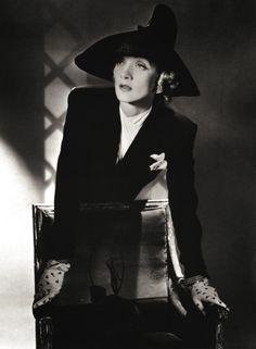 Horst, Marlene Dietrich, 1942