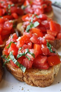 Perfect Bruschetta - Simple, fresh, and seriously amazing. This is the best bruschetta I've ever had! But put in a bowl to scoop it instead! Appetizer Recipes, Dinner Recipes, Appetizers, Easy Bruschetta Recipe, Bruchetta, Healthy Snacks, Healthy Recipes, Good Food, Yummy Food