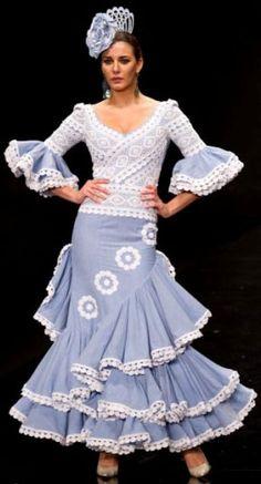 Trajes de flamenca 2012 Flamenco Costume, Flamenco Dancers, Flamingo Dress, Short Long Dresses, How To Make Skirt, Spanish Fashion, Party Wear, Dress Skirt, Fashion Dresses