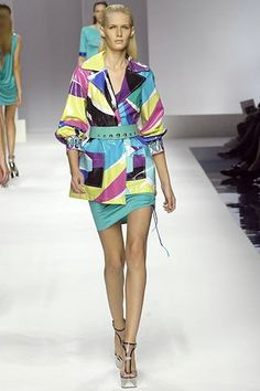 Emilio Pucci Spring 2007 Ready-to-Wear Collection - Vogue Cool Summer Palette, Emilio Pucci, Ready To Wear, Fashion Show, Runway, Cover Up, Vogue, Spring Summer, Model