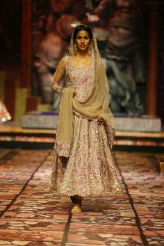 Suneet Varma at India Bridal Fashion Week 2013
