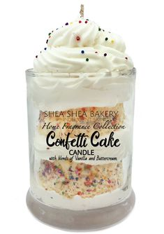 Cute Candles, Beautiful Candles, Diy Candles, Scented Candles, Diy Candle Ideas, Funny Candles, Luxury Candles, Chocolate Raspberry Cheesecake, Confetti Cake