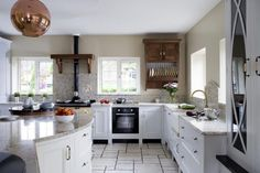 Now it's time to have a look at layout options for L shaped kitchens. The idea of this page, and others in the kitchen layout ideas section of this site is to concentrate on kitchen layout options, and save you spending hours browsing through interiors photos with different looks but similar layouts.
