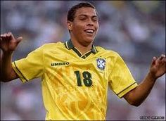 10 Brazilian footballers who came from the streets from Pele to Ronaldo Neymar, Messi, Nike Football, Good Soccer Players, Football Players, Cristiano Ronaldo, Champions League, Premier League, World Cup