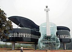 Resultados da Pesquisa de imagens do Google para http://www.not1.com.br/wp-content/uploads/2010/12/piano-house-violino-na-china.jpg