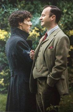 (BBC) ~ Sherlock Holmes (Benedict Cumberbatch) and his brother Mycroft Holmes (Mark Gatiss). Sherlock Holmes Bbc, Sherlock Holmes Benedict Cumberbatch, Sherlock Fandom, Benedict Cumberbatch Sherlock, Sherlock John, Funny Sherlock, Sherlock Series, Johnlock, Martin Freeman