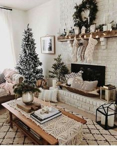 Here are best Small Christmas Trees Ideas for your Christmas home decor. These Mini Christmas Trees are ideal for table top decor or centerpiece or kitchens Outside Christmas Decorations, Small Christmas Trees, Noel Christmas, Holiday Decor, White Christmas, Christmas Movies, Christmas Costumes, Christmas Centerpieces, Holiday Desserts