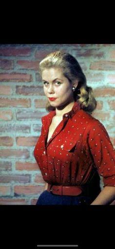 Red Leather, Leather Jacket, Elizabeth Montgomery, Find Picture, Jackets, Fashion, Studded Leather Jacket, Down Jackets, Moda