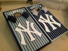 New York Yankees Cornholes - Nashville cornholes Music City Boards New York Yankees Game, Yankees Logo, Yankees Fan, Baseball Gifts, Baseball Stuff, Cornhole Designs, Custom Cornhole Boards, Bottle Cap Crafts, Corn Hole