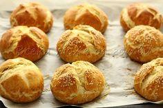 Така се правят прочутите баварски хлебчета (тестото е подходящо и за бретцели) | Всеки може да готви