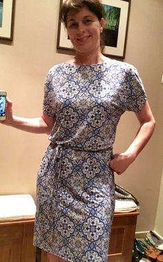 Sukienka w kafle porcelanowe