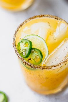 Mango Margarita Cheers with a Spicy Mango Jalapeno Margarita at your next party - such an easy, refreshing recipe! Easy Cocktails, Cocktail Recipes, Mezcal Cocktails, Recipes Dinner, Dessert Recipes, Summer Drinks, Fun Drinks, Beverages, Alcoholic Drinks