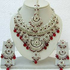 Maroon and Off White Stone Studed Necklace Set