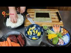 Jak připravit sushi: Maki, Uramaki a Nigiri Griddle Pan, Sushi, Kitchen, Youtube, Cooking, Grill Pan, Kitchens, Cuisine, Youtubers