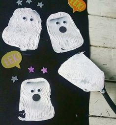 Spatula Print Ghosts (from Molly, The Kids Place via Instagram: https://www.instagram.com/p/BZD3TDHAnRC/?taken-by=thekids_place)
