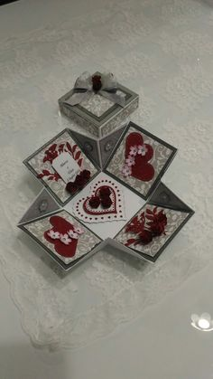 Wedding explotion box