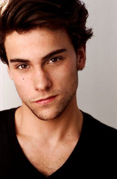 Jack Falahee is life// I'm taking a page from Louise Belcher in saying 'I want to slap his beautiful face'