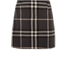 "Try oversized print this season, for an edgier take on classic styles. This check skirt is ideal, just add a black crop top and brogues.- All over print- Mini length- Slim fit- Soft finish- Model is 5'8""/176cm and wears UK 10/EU 38/US 6"