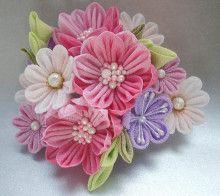 つまみ細工 花ちりめん Hair Pins, Floral, Flowers, Jewelry, Hair Combs, Head Bands, Fascinators, Bobby Pins, Jewlery