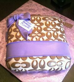 Purse Cake 2
