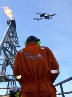 Meet the Rookie Drone Roughnecks That Are Saving Time, Money and Lives | Drones could soon be a regular addition to the silhouette of onshore and offshore oil rigs on the horizon. (+video)