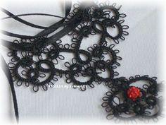 Amélia fekete hajócsipke medálos nyaklánc piros gyönggyel, horgolt medállal, Ékszer, óra, Esküvő, Nyaklánc, Esküvői ékszer, Meska My Works, Crochet Necklace, My Love, Black, Jewelry, Fashion, Jewlery, Moda, Crochet Collar