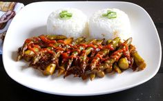 <p>In this recipe, asparagus spears are drizzled with a Sichuan-style sauce containing cayenne pepper, red pepper flakes, ginger, and Worcestershire sauce.</p>
