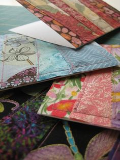 Patchwork Fabric Greeting Cards - Quilting Tutorials and Fabric Creations - Quilting in the Rain Fabric Cards, Fabric Postcards, Paper Cards, Cards Diy, Gift Cards, Patchwork Cards, Patchwork Fabric, Patchwork Ideas, Scrap Fabric