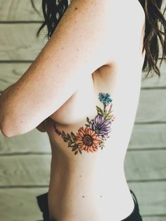 — First Thyme Mom Side body floral tattoos for women. Delicate floral tattoos for women. with Floral botanical tattoo. Cover Up Tattoos For Women, Tattoos For Women On Thigh, Side Tattoos Women, Beautiful Tattoos For Women, Beautiful Flower Tattoos, Pretty Tattoos, Cool Tattoos, Side Body Tattoos, Botanical Tattoo